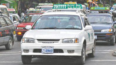 Vehiculo-Mariscal-Santa-Cruz-Paz_LRZIMA20111018_0014_3
