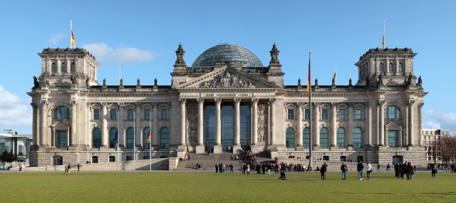 Berlin_reichstag_west_panorama_2